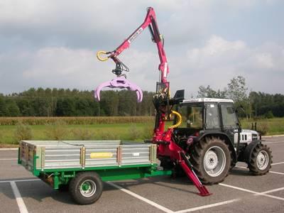 Caricatore forestale per trattore mulino elettrico per for Rimorchi agricoli usati piemonte