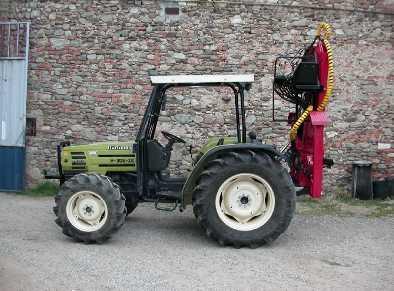 La casa di fronte caricatori forestali usati per trattori for Rimorchi agricoli usati piemonte